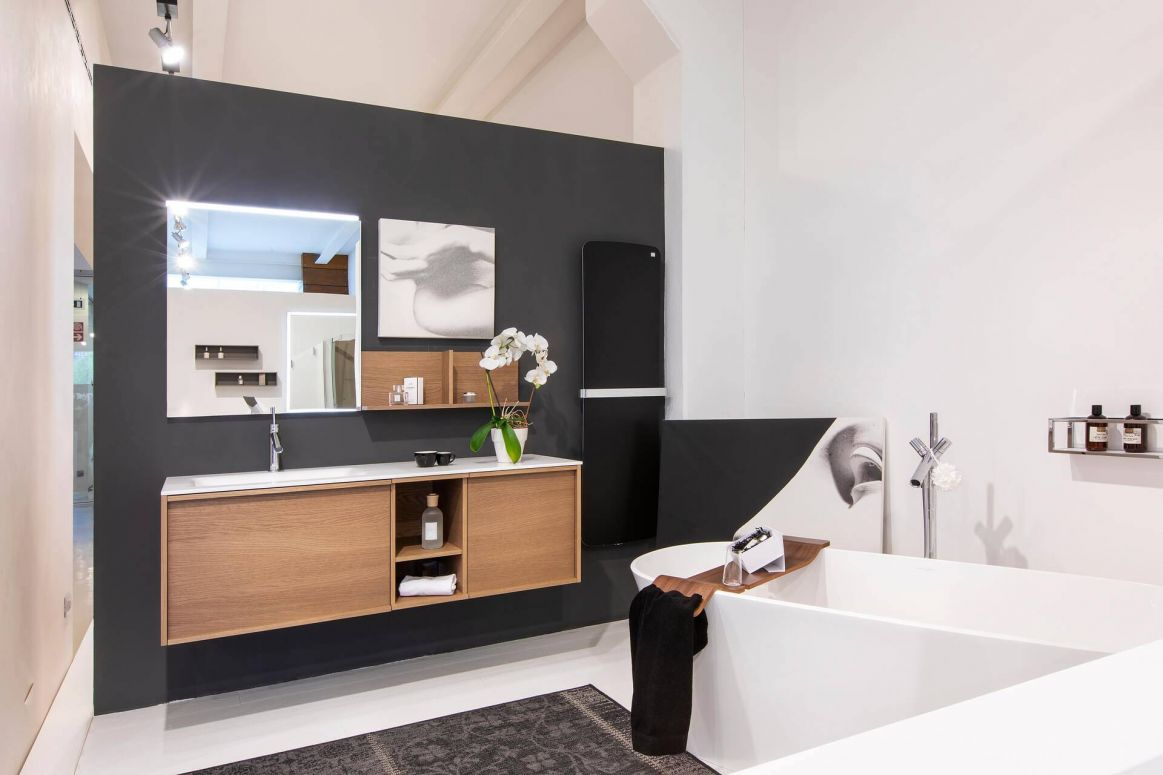 Mobile Stocco Loop53 rovere safari con piano in corian e lavabo integrato, Vasca Victoria + Albert