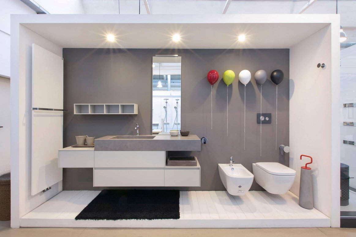 Mobile e specchio Idea Group | Sanitari Duravit | Radiatori Zehnder